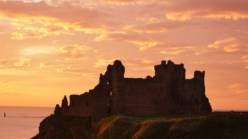 Tantallon Castle sunrise