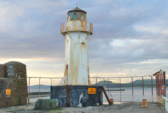 Ardrossan Lighthouse2