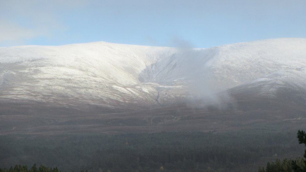 Fall first snowfall on Cairngorms
