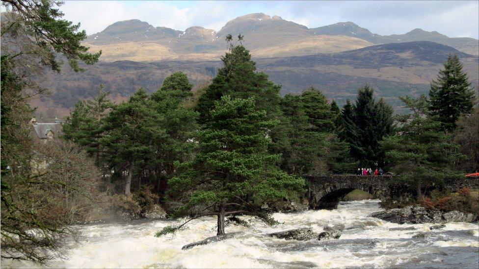 Falls of Dochart & Meall nan Tarmachan