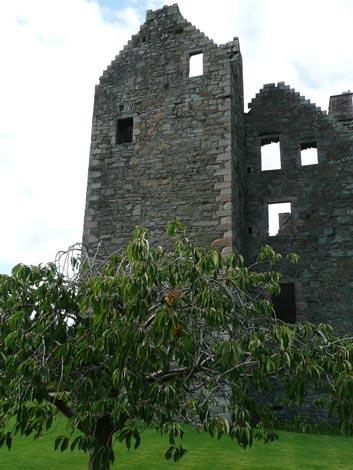 maclellan_castle_kcubright