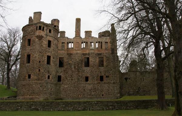 Winter - Huntly Castle