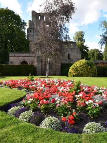 summer-kelso-abbey