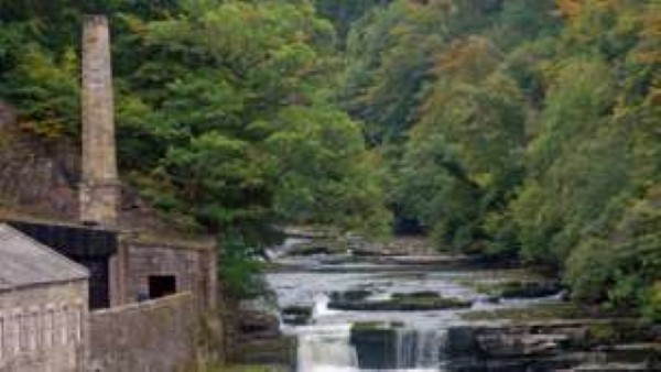 fall-falls-of-clyde-at-dundaff-linn