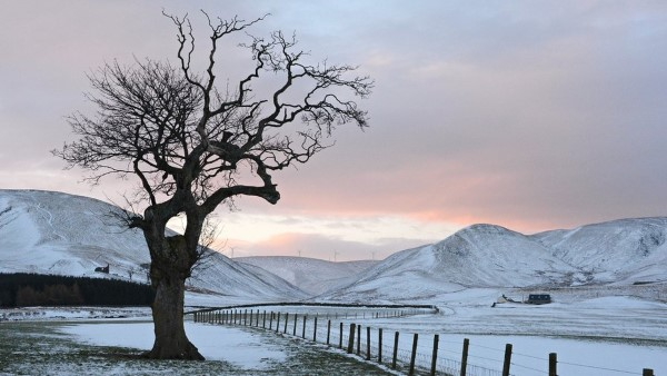 winter-moorfoot-hills